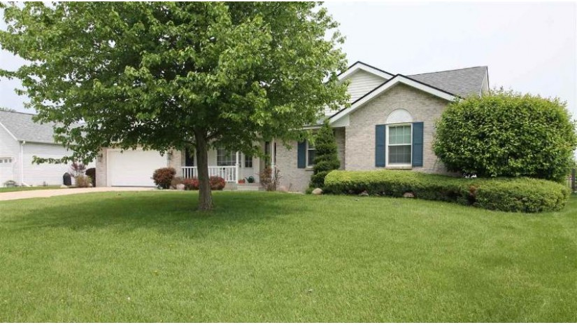 2222 Savanna Dr Janesville, WI 53546 by Briggs Realty Group, Inc $299,900