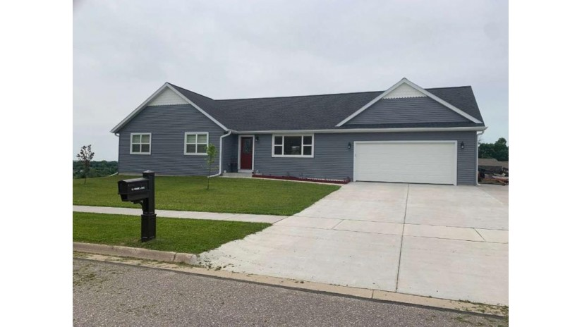 51 Me Me Ln Reedsburg, WI 53959 by First Weber Inc $239,900