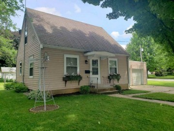 2008 10th Ave, Monroe, WI 53566