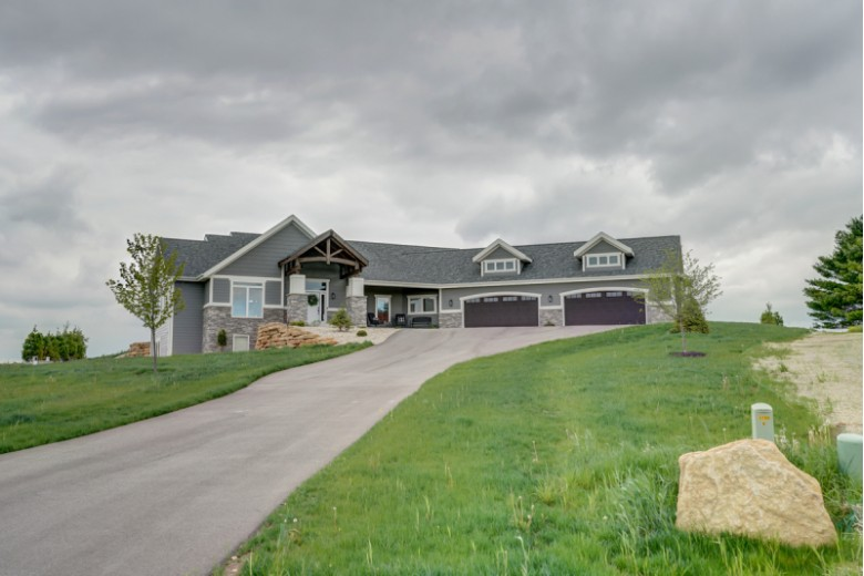 L5 Driftless Ridge Way, Verona, WI by First Weber Real Estate $209,900