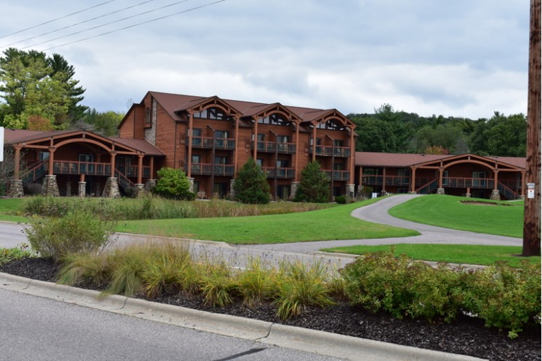 2504 River Rd 7118, Wisconsin Dells, WI by First Weber Real Estate $95,000