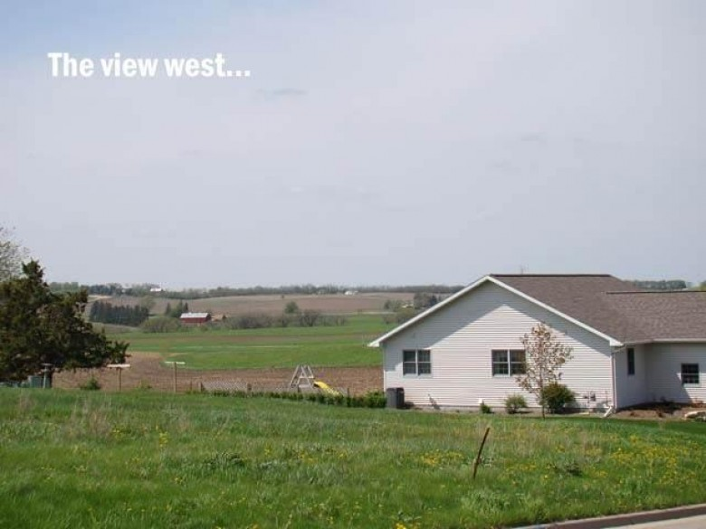 402 Prairie Hills Dr, Dodgeville, WI by First Weber Real Estate $39,000