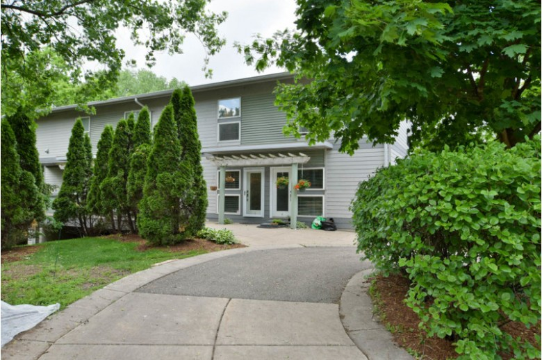 4477 Crescent Dr 5 Fitchburg, WI 53711 by First Weber Real Estate $275,000