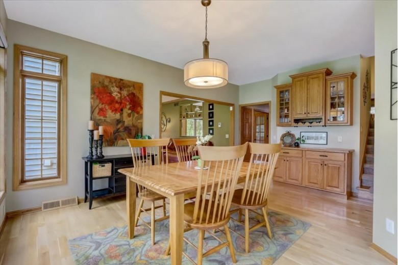 18 Chautauqua Tr Madison, WI 53719 by First Weber Real Estate $600,000