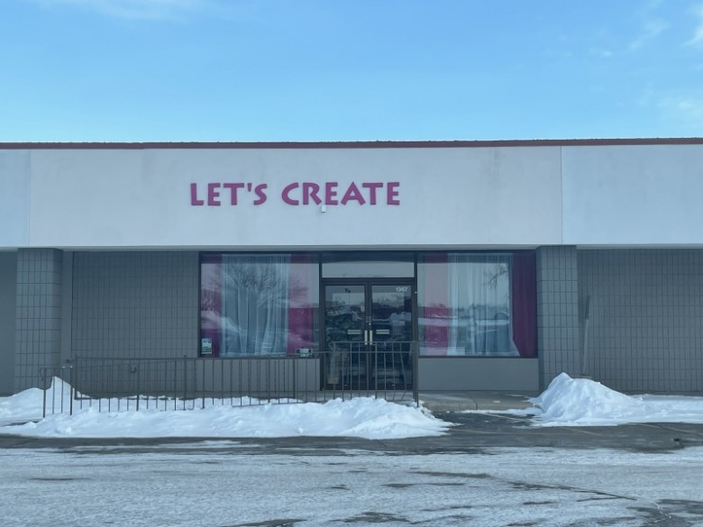 1367 S 8th Street, Wisconsin Rapids, WI by First Weber Real Estate $13