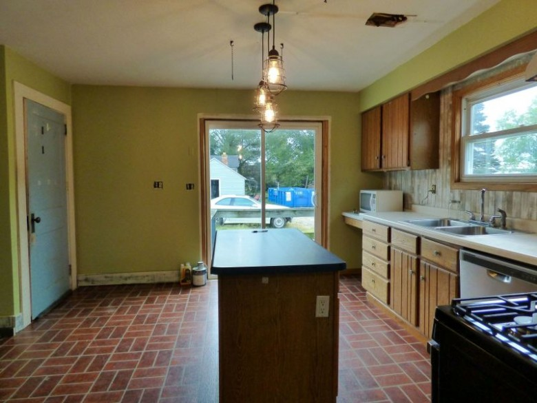 2850 Eagle Road, Wisconsin Rapids, WI by First Weber Real Estate $114,900