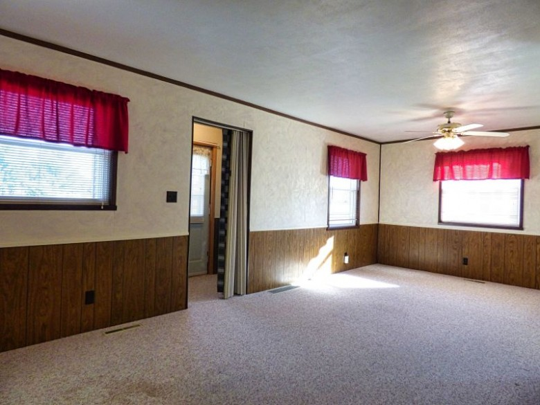 440 Grove Avenue Wisconsin Rapids, WI 54494 by First Weber Real Estate $99,900