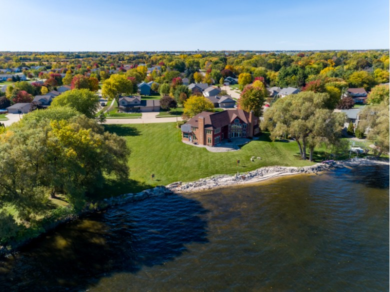 3220 Old Orchard Lane Oshkosh, WI 54902-7330 by First Weber Real Estate $995,000