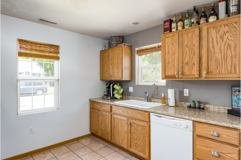 566 Grand Street Oshkosh, WI 54901-5014 by First Weber Real Estate $129,900