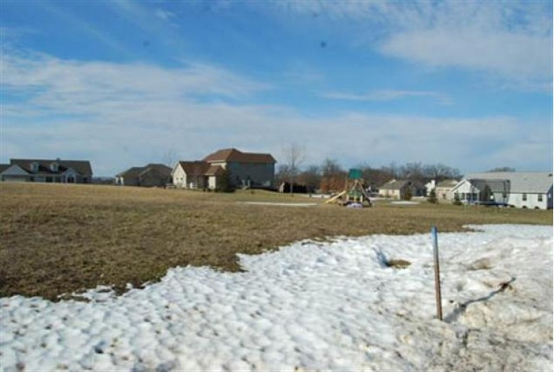 L43 Sienna Ct, Reedsburg, WI by Re/Max Preferred $33,200