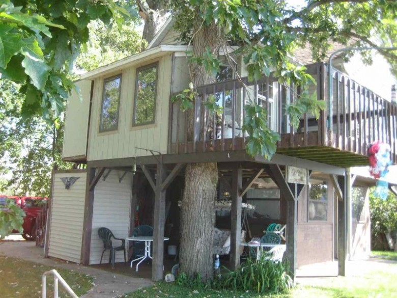 32091 Ambro Rd Prairie Du Chien, WI 53821 by Century 21 Affiliated $599,900