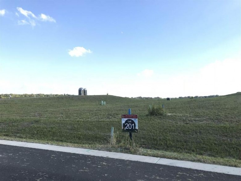 5014 Cranberry Blossom Ct, Waunakee, WI by T. Wall Enterprises Mgt, Llc $172,000