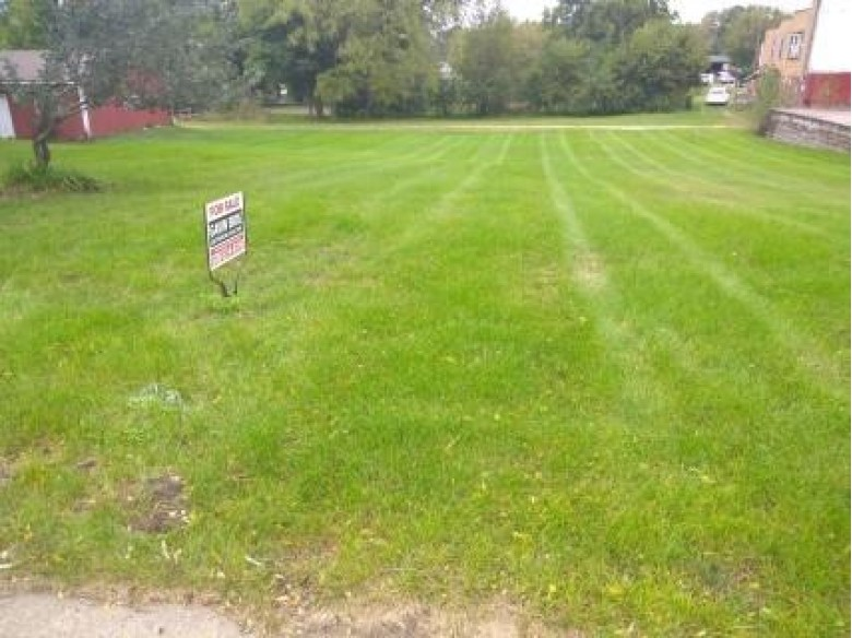 1221 E Main St, Reedsburg, WI by Gavin Brothers Auctioneers Llc $24,499