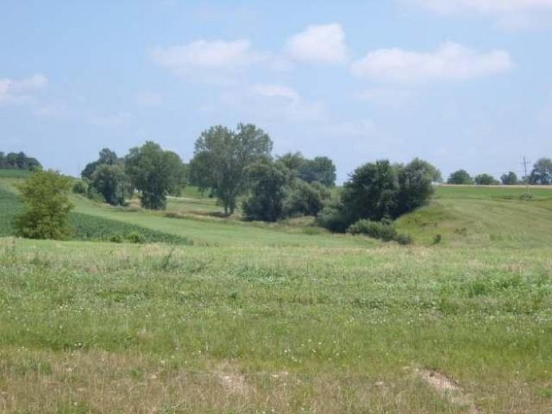 6671 Covered Bridge Tr, Sun Prairie, WI by Wisconsin Real Estate Prof, Llc $139,000