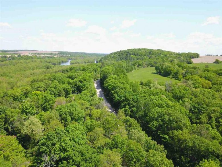 N4699 St Lawrence Bluff Rd, Poynette, WI by Re/Max Preferred $49,000