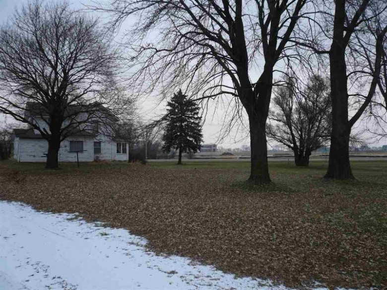 275 Hwy 12/18, Cambridge, WI by Badger Realty Team $306,000