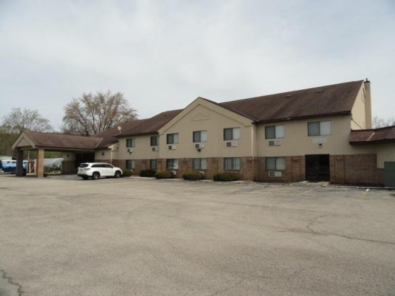 1010 N Main St, Lodi, WI by First Weber Real Estate $800,000