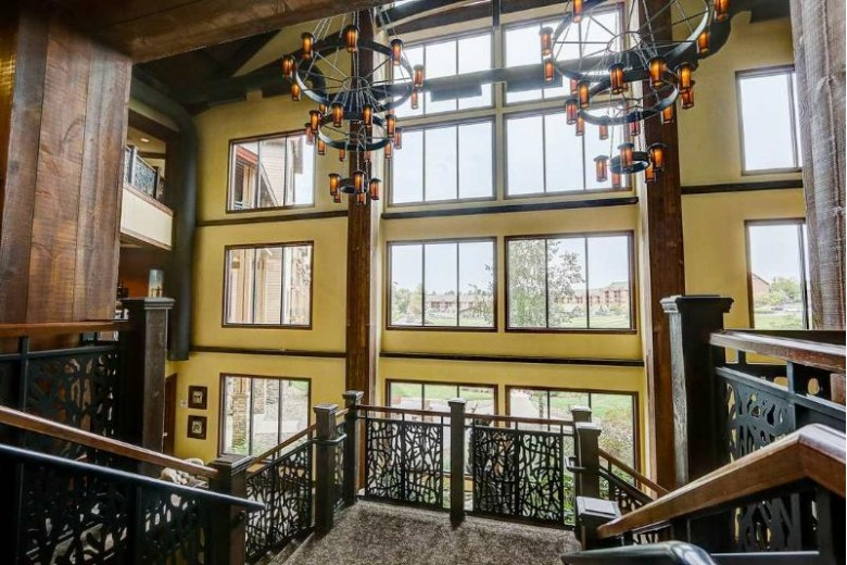 45 Hillman Rd 4025, Baraboo, WI by Restaino & Associates Era Powered $410,000