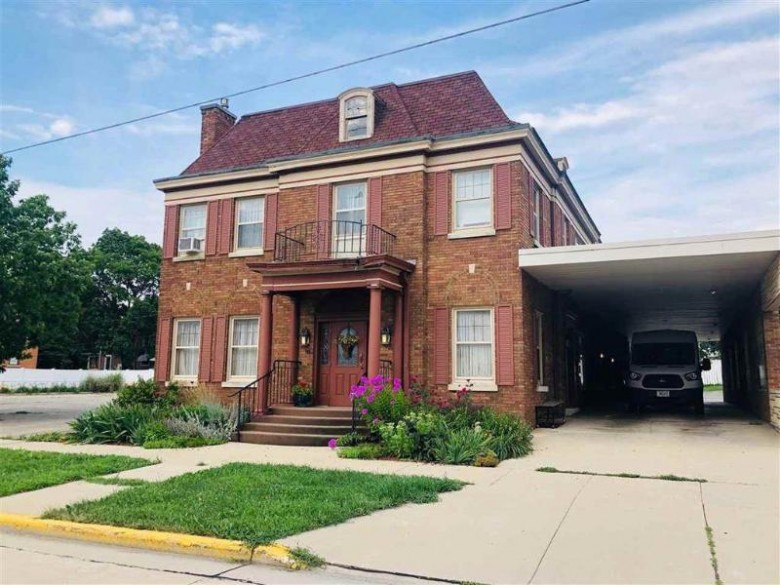 109 N Lincoln Ave, Beaver Dam, WI by Century 21 Affiliated $349,000