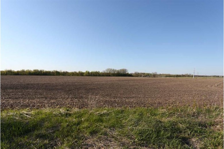 43.69 Hwy 16, Columbus, WI by Turning Point Realty $951,400