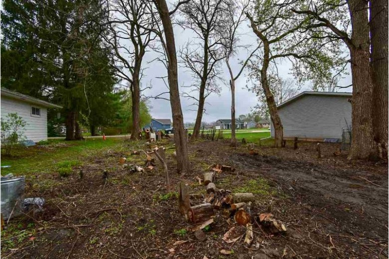 L11 Maple Beach Rd, Edgerton, WI by Century 21 Affiliated $13,900