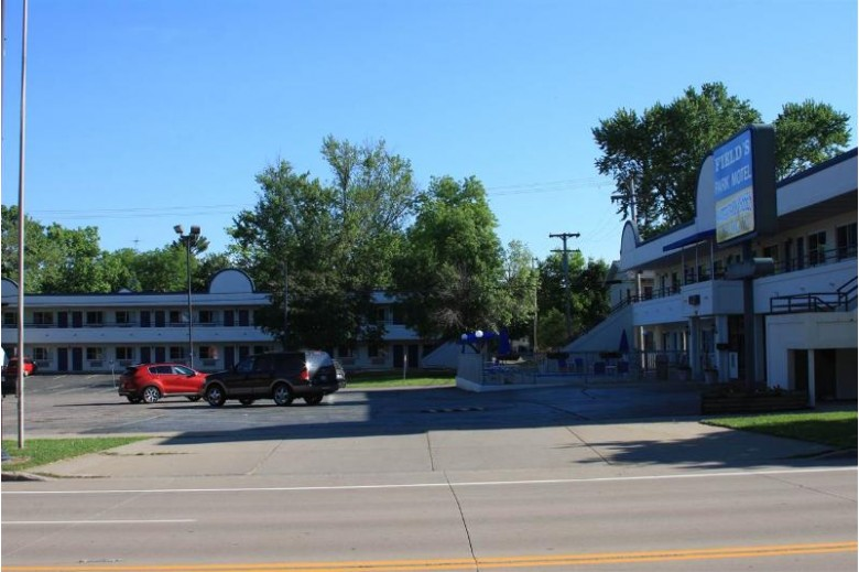 715 Broadway, Wisconsin Dells, WI by Restaino & Associates Era Powered $1,150,000