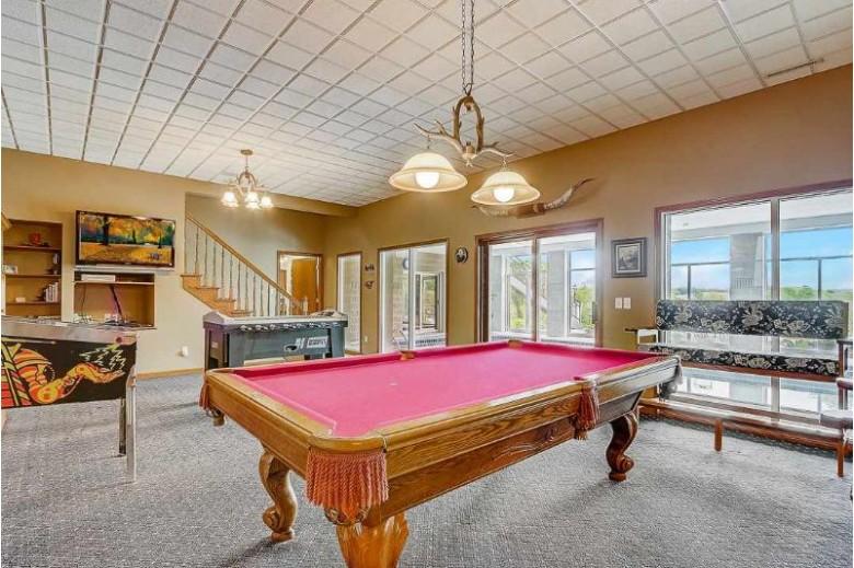 E6918 Ski Hill Rd, Reedsburg, WI by Restaino & Associates Era Powered $1,950,000