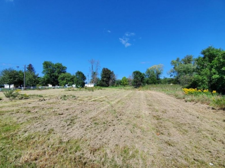 909 Thompson St, Portage, WI by First Weber Real Estate $24,700