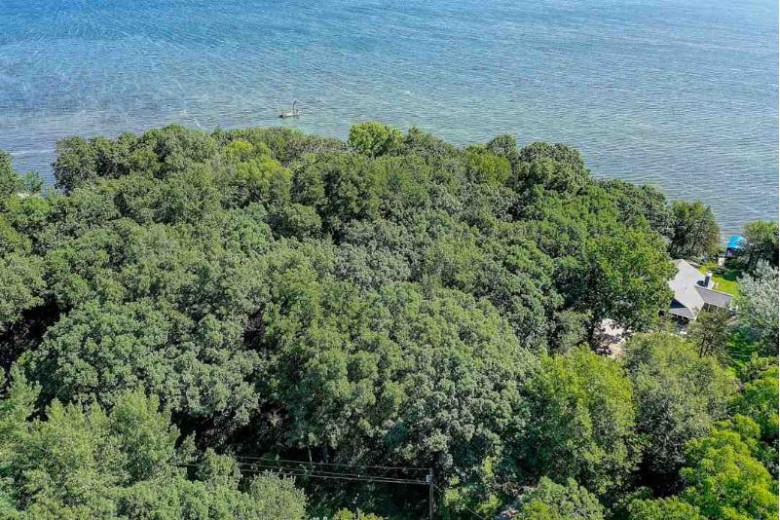 LT 9 Korth Highlands Rd, Lake Mills, WI by Re/Max Community Realty $1,125,000