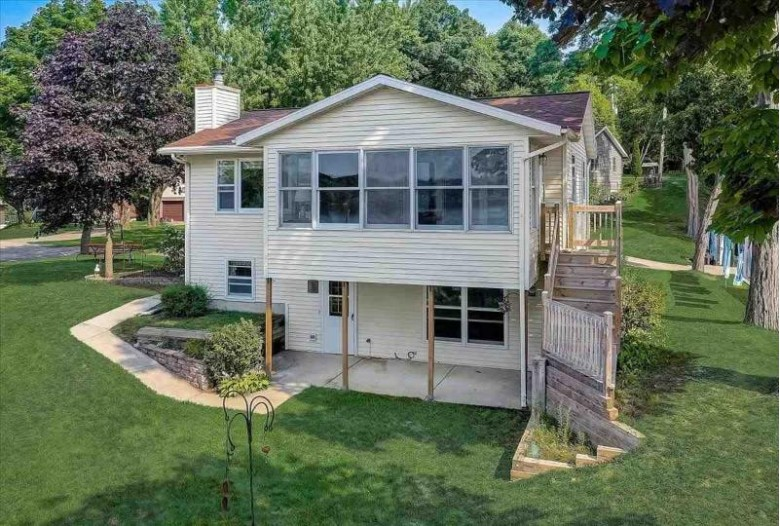 W9361 Bluff Ln 2, Cambridge, WI by First Weber Real Estate $385,000