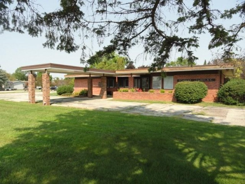 600 Fern St, Waupun, WI by Re/Max Connections $195,000