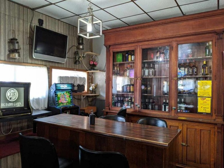 229 Center St, Elroy, WI by Inventure Realty Group, Inc $135,000