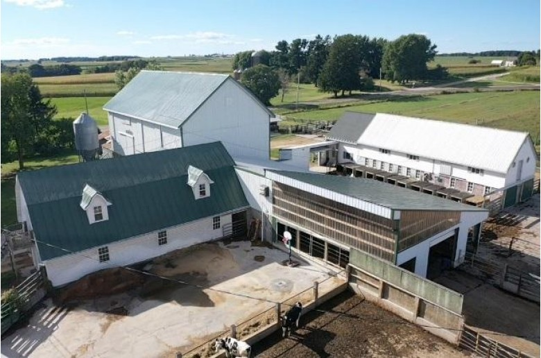 S4340 County Road S, Reedsburg, WI by Gavin Brothers Auctioneers Llc $1,590,000