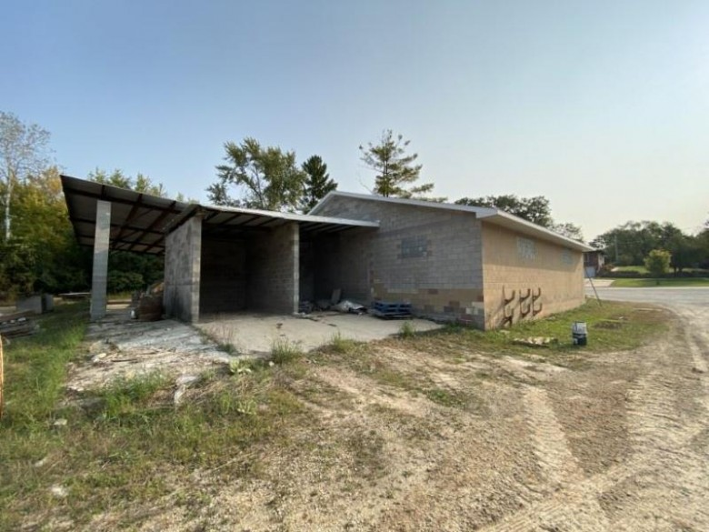 N6873 Blackhawk Rd, Portage, WI by United Country Midwest Lifestyle Properties $175,000