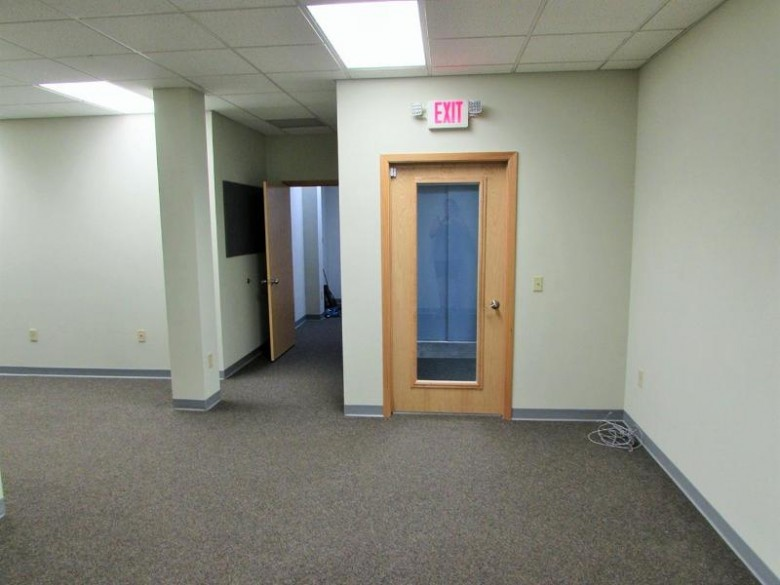 414 Broadway St 101, Baraboo, WI by First Weber Real Estate $27,900