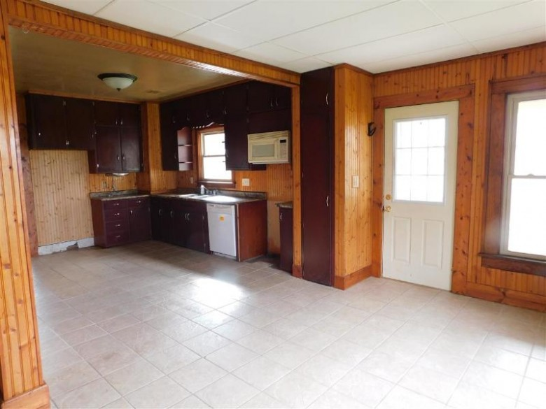 S6681 Hwy 27/82, Viroqua, WI by Pavelec Realty $135,000