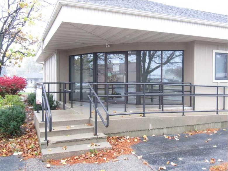 1504 Creston Park Dr, Janesville, WI by Century 21 Affiliated $445,000