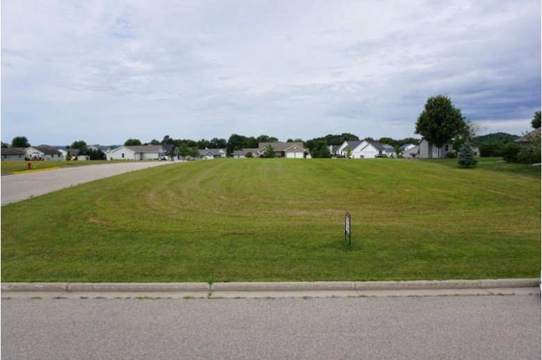 455 Crestview Dr, Reedsburg, WI by Evergreen Realty Inc $28,000