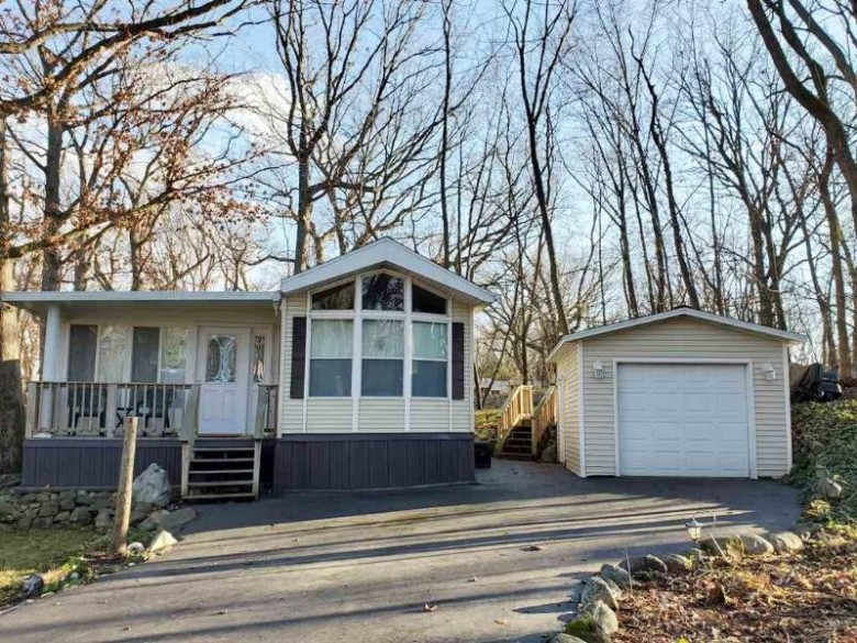 255 Vacation Blvd, Edgerton, WI by Pat'S Realty Inc $142,900