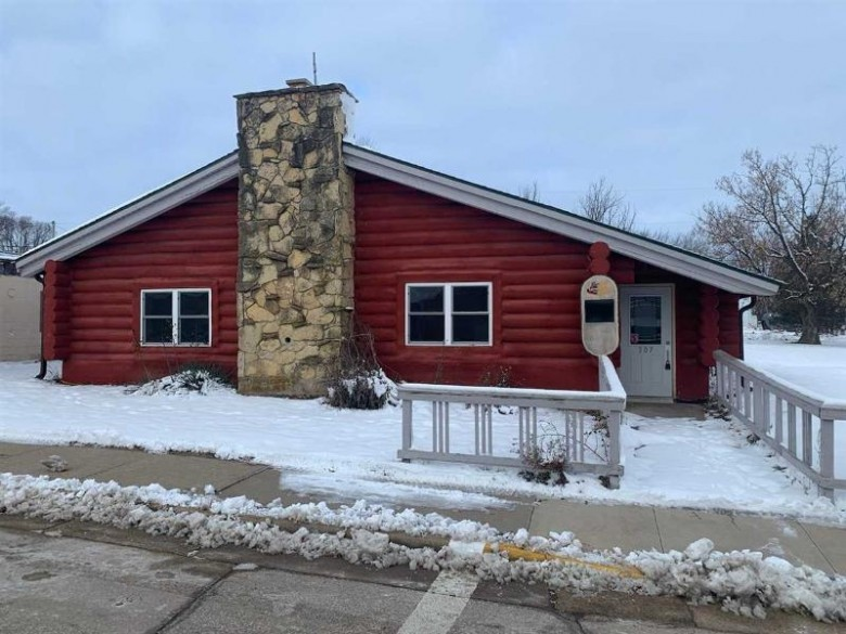 307 Main St Hollandale, WI 53516 by Garthwaite Auction & Realty, Llc $180,000