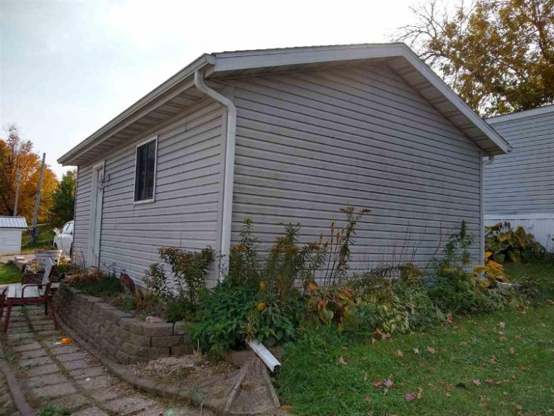 53 Apple Hill Dr Blue Mounds, WI 53517 by Keller Williams Realty $55,000