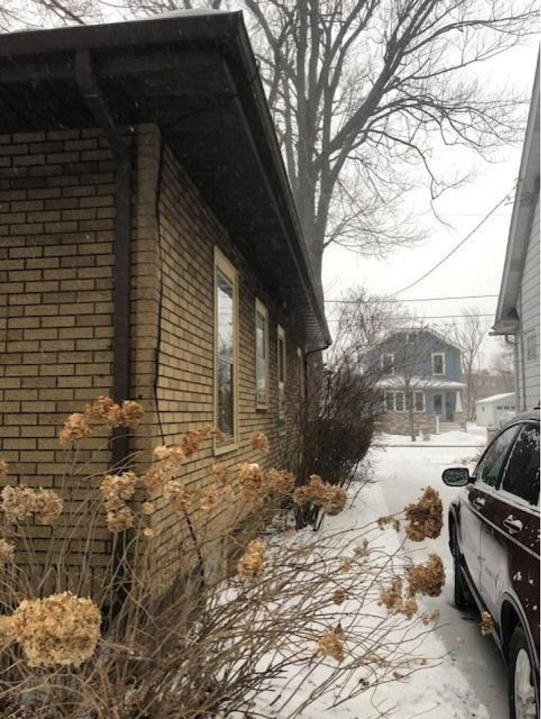 2425 E Mifflin St, Madison, WI by Coldwell Banker Success $249,800