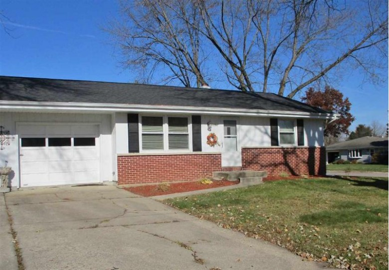 2204 Elizabeth St 1, Janesville, WI by Linda Steinke Real Estate, Llc $154,900