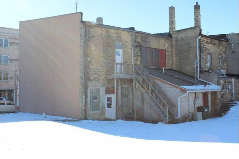105 W Cook St, Portage, WI by Century 21 Affiliated $85,000