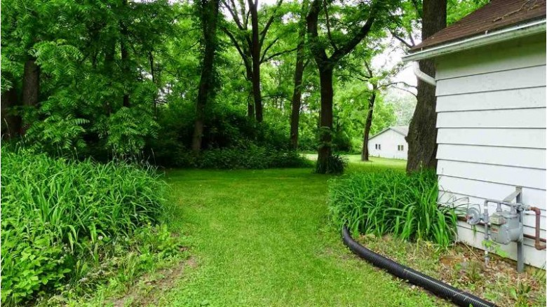 2933 Dellvue Dr Fitchburg, WI 53711 by Howard And Williams, Inc. $259,999