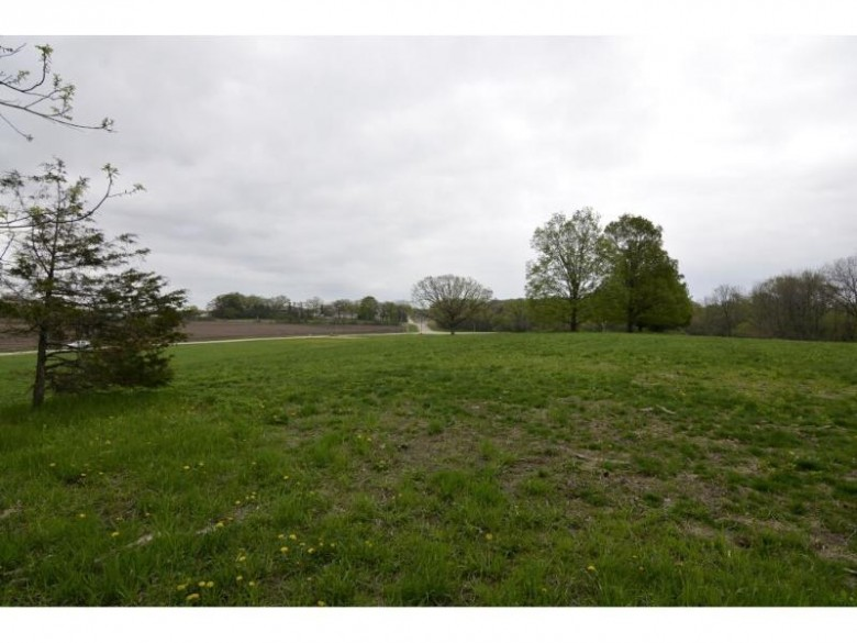 L4 Loveland Rd, Poynette, WI by Madcityhomes.com $84,900