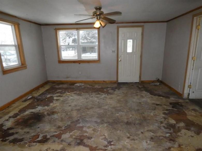 327 S Iowa St, Muscoda, WI by Century 21 Affiliated $59,900