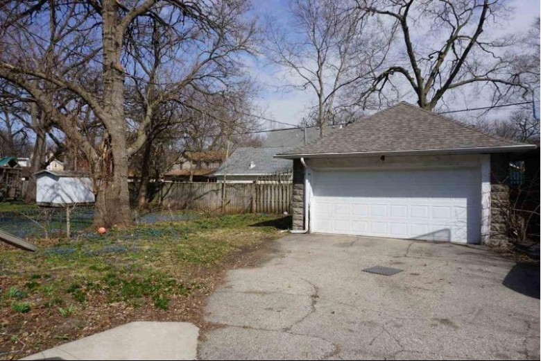 621 Park Ave, Beloit, WI by Century 21 Affiliated $154,900
