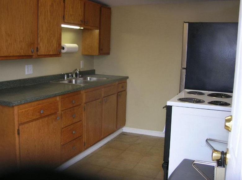 1306-1308 Laurel Ave, Janesville, WI by Blue Collar Realty Llc $170,000