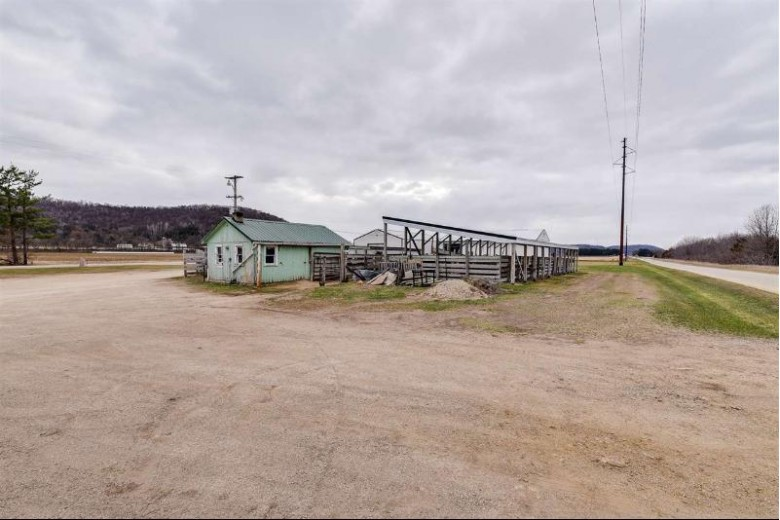 881 Blue River Rd Muscoda, WI 53573 by Big Block Midwest $300,000